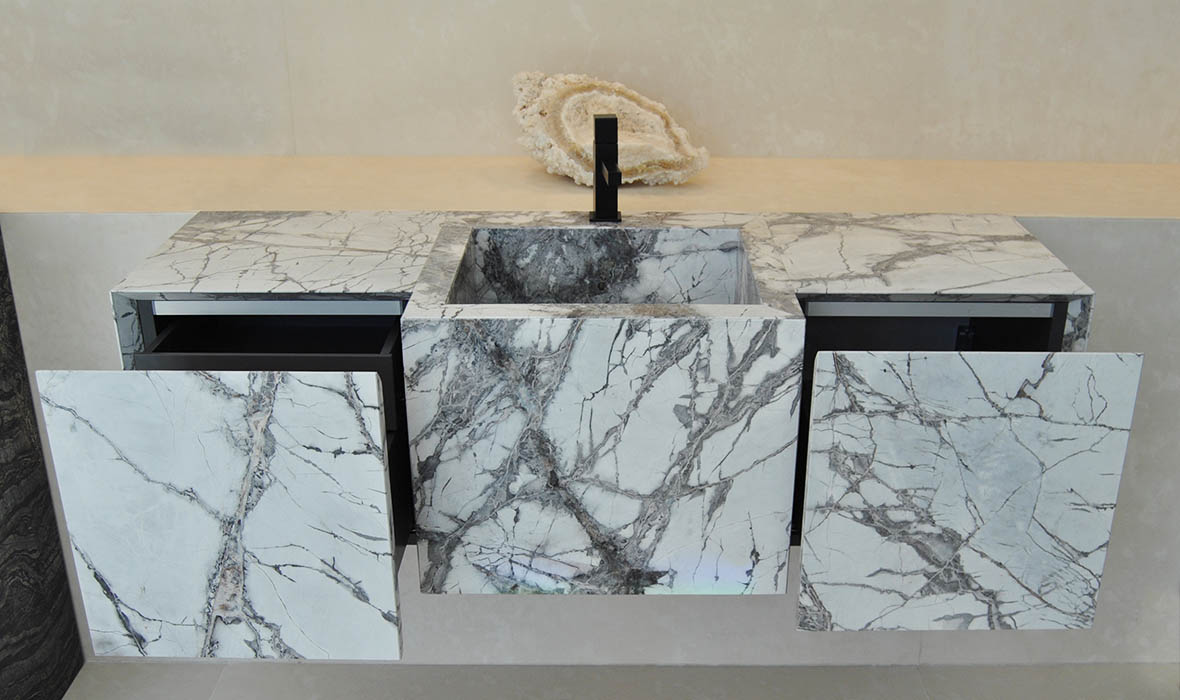 Cajones y puertas de piedra natural ligera -Mueble suspendido de piedra natural - Trio marble furniture