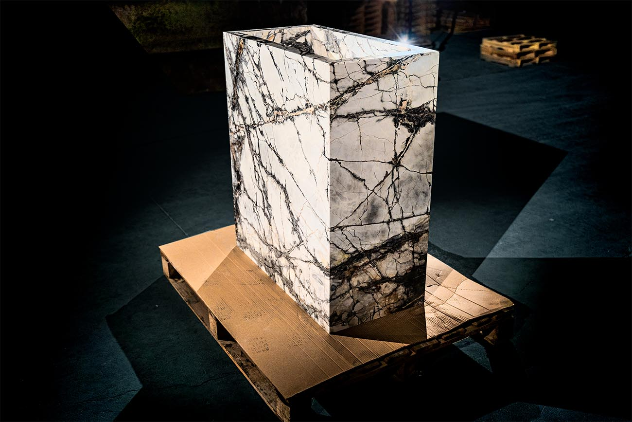 Marble pieces with a wrap-around effect