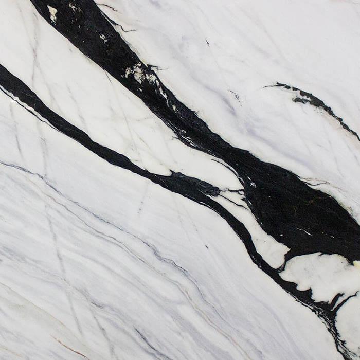 Lightweight Bianco Lasa marble | Mármol ligero Bianco Lasa