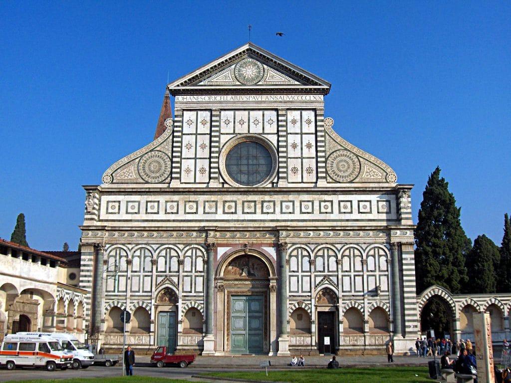 1.Fachada de Santa María Novella, Florencia, finalizada en 1470 por León Battista Alberti.