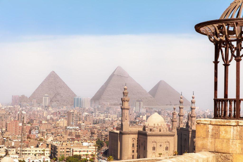 Pirámides Keops, Kefrén y Micerinos. Fuente / Source: Bigstock