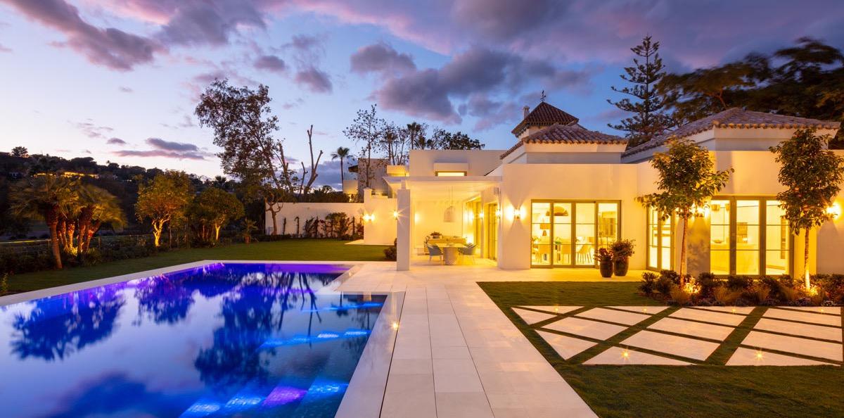 Villa VIII - Jardín y exteriores de mármol - Marble