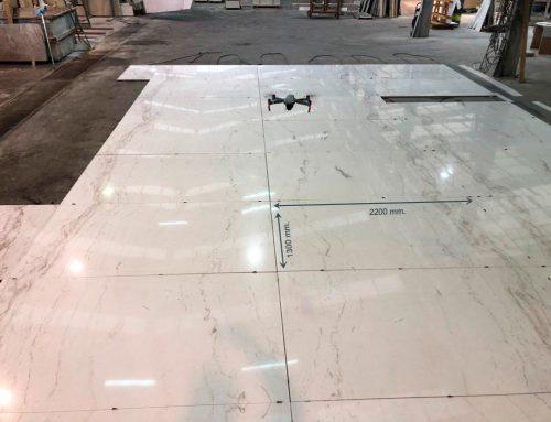 Extendido en seco en mármol de gran formato