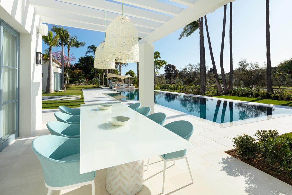 Villa VIII - Piscina Crema Premium - Premium Beige swimming pool