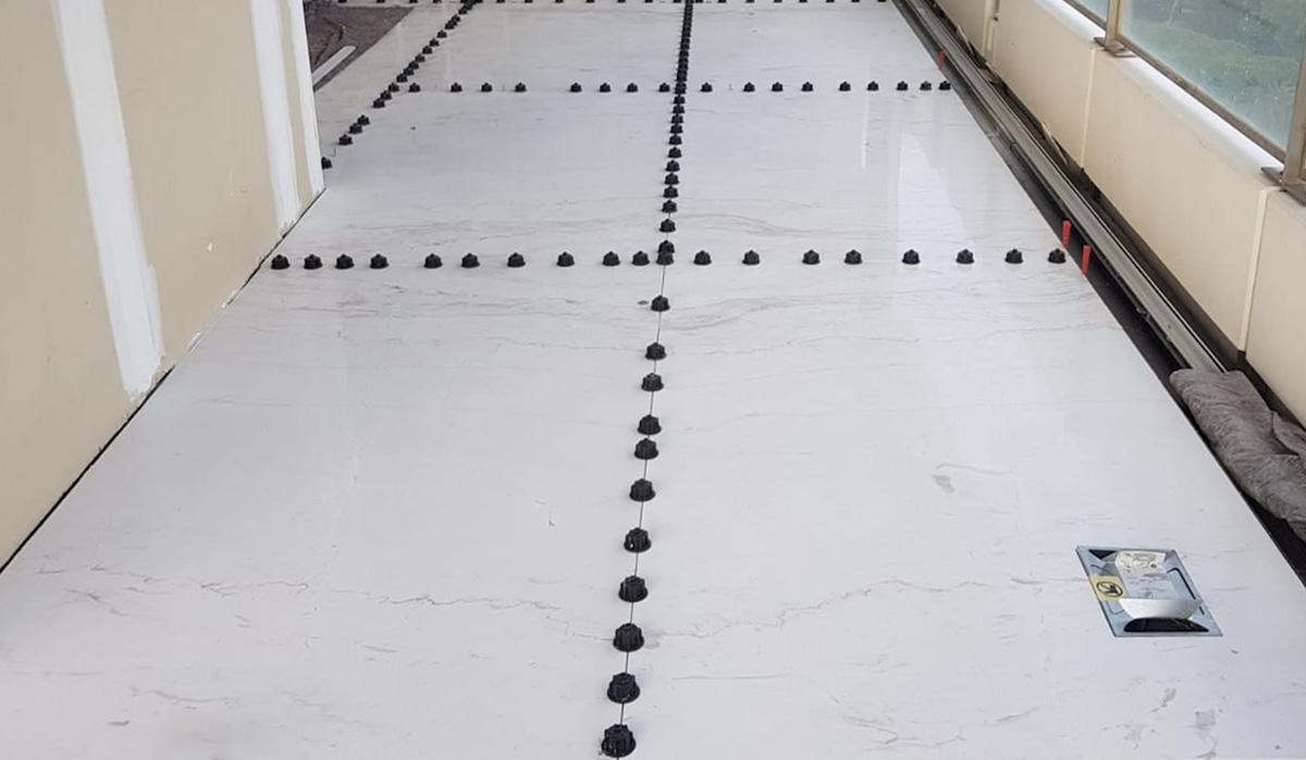 ¿Cómo evitar roturas instalando mármol de gran formato? - How to avoid breakages when installing large format marble?