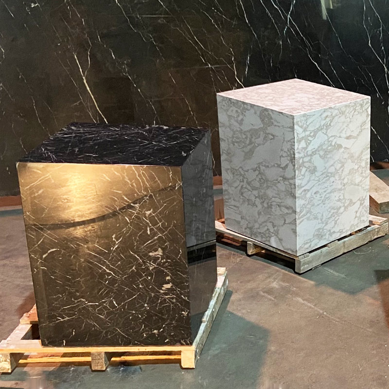 Ultralight stools in natural stone - Taburetes de piedra natural ultraligera