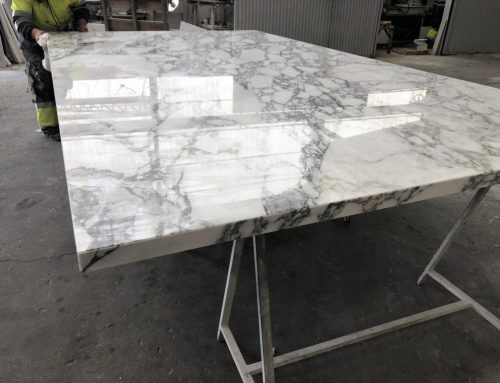 Lightweight marble in giant format: 3600 mm x 1900 mm.